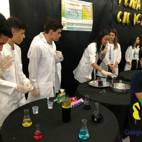 Alunos deram show de conhecimento na Feira de Ciências e Artes do Colégio Batista de Mantena