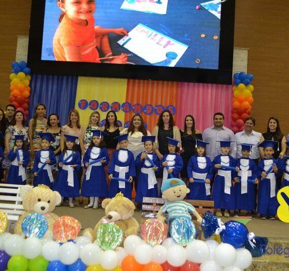Formatura da Educação Infantil do Colégio Batista foi linda e alunos brilharam nas apresentações